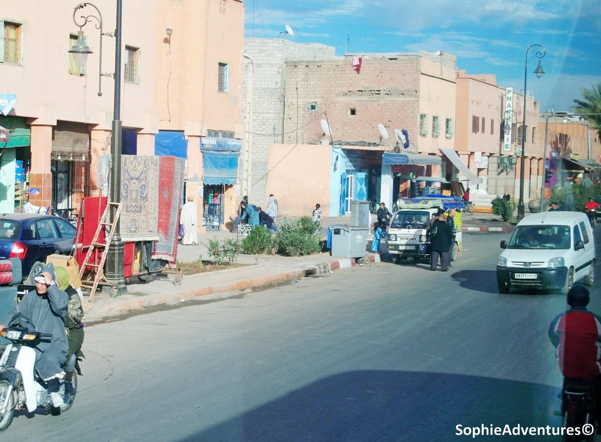 Visit some treasures of morocco in ouarzazate and marrakesh sophie adventures - Remontee odeur egout ...